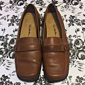 Thom McAn Vintage Brown Loafers Size 6.5